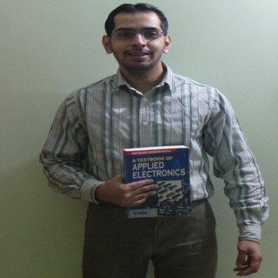 Ibrahim Saleem, freelance content writer, home based content writer
